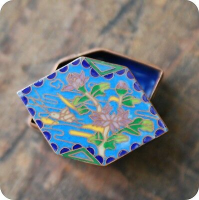 Vintage Style Cloisonne Trinket Pill Box, Enamel, Painted, Chinese, Blue Floral