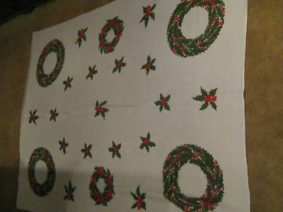 """Vintage Vera brand Christmas Tablecloth 50 x 69"""" Holly, Wreathes on White   01m4"""