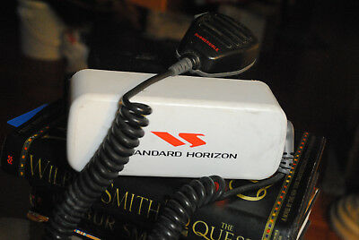 Standard Horizon - Radio Marine GX1255S Quest, with mic & cover & power cable