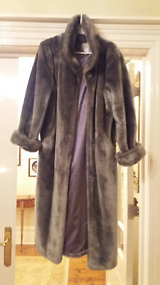 Silver grey vintage heavyweight faux fur coat - lined - almost immaculate