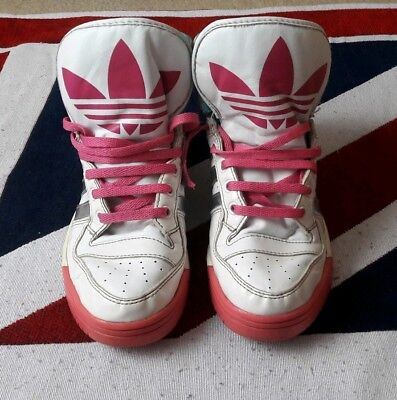 Girls addidas high tops trainers size 3uk,good condition.bargin!