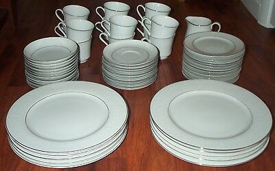 55 Piece Crown Victoria Fine China Japan Dinnerware Set Lovelace Pattern Mint