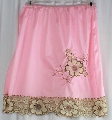Womens VTG 1960s short half slip skirt pink beige lace trim and embroidery small