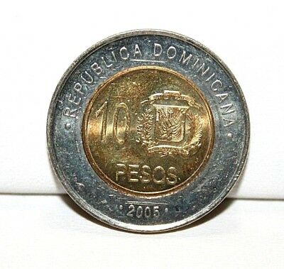 2005 Dominican Republic 10 Ten Pesos Bi-Metallic Coin KM 106