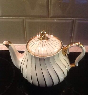 Sadler Tea Pot. Cream And Gold Swirls. 1 & 1/2 Pint.  1955/65.