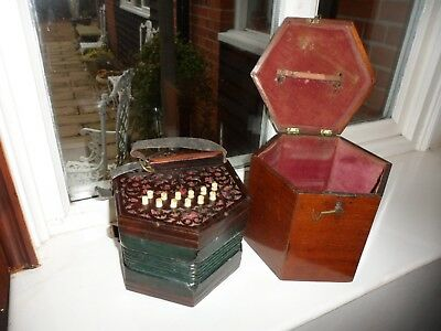 CONCERTINA BY  J WALLIS 135 EUSTON ROAD N/W LONDON IN ORIGINAL  FITTED Case