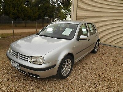 VOLKSWAGEN GOLF 1.6 MANUAL 5 DOOR Great condition with no dents or rips