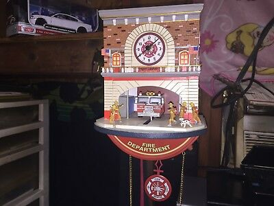 The Bradford Exchange: TO THE RESCUE FIRE HOUSE CLOCK RARE FIRE ENGINE FIGHTER