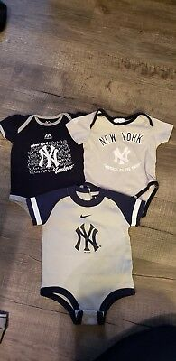 Newborn bodysuits Yankees  0-6