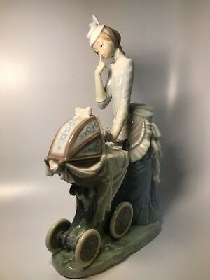 """Vintage Lladro Porcelain Figurine """"Baby's First Outing"""" 4938"""