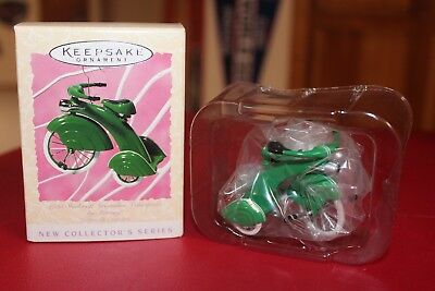 HALLMARK 1997 KIDDIE CAR TRICYCLE GREEN 1935 STREAMLINE VELOCIPEDE NIB Vintage