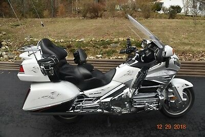 2012 Honda Gold Wing  2012 Honda Gold Wing (comfort model - heated seats/hand grips)