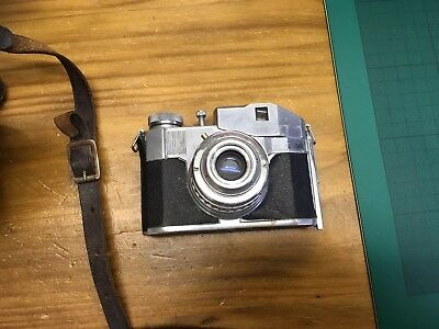 Vintage Bencini Comet 5 camera . Milano With Leather Case. Untested