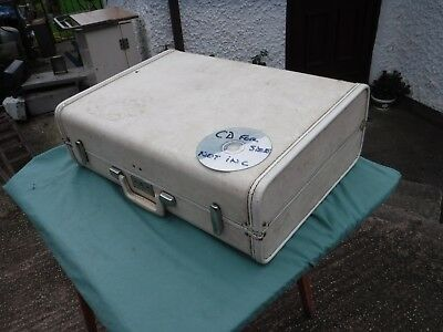Vintage Royal Traveller  White  Suitcase.   Free  Delivery.