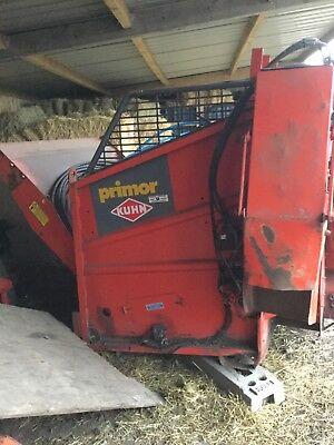 Kuhn Straw Chopper, Three point linkage tractor PTO driven, Round or Square Bale