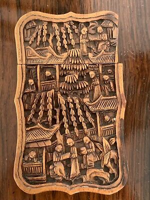 CHINESE CANTONESE SANDALWOOD CARVED CARD CASE Decorated with Figures 9.5cm High
