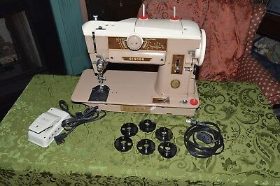 Vintage Singer 401A Sewing Machine - Serviced and in Excellent Condition