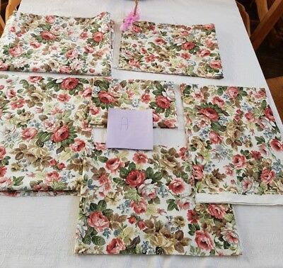 Pack A 6 x Good sized Pieces Vintage Cotton Roses  Fabric Patchwork , crafts