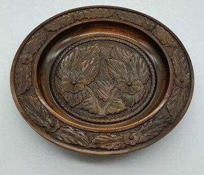 Antique Black Forest Hand Carved Wooden Foliate Design Wall Hanging Plate