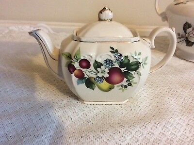 Vintage Sadler Cube Tea Pot with Fruit Design