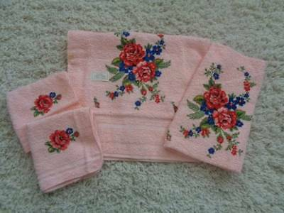 Vintage Cannon Towels Hand Towels Wash Cloths Unused Pretty