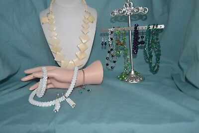 Lot Of 7 Vintage Jewelry Sets   (1H)