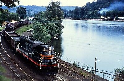 SP SOUTHERN PACIFIC SD9 5422 ACTION @ OREGON CITY in the 1950s DUPLICATE SLIDE