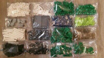 Lot of 391 pcs landscape LEGO, trees, shrubs, leaves, street light and more !!!