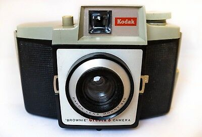Vintage Kodak Brownie Cresta 3 Camera  – 1960's Classic with case