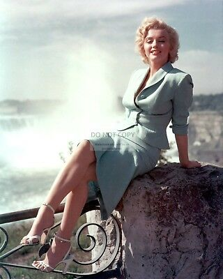 Marilyn Monroe Iconic Sex Symbol And Actress - 8X10 Publicity Photo (Dd-151)