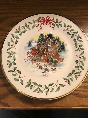 Lenox Annual Christmas Holiday Plate 2004 Santa's Woodland