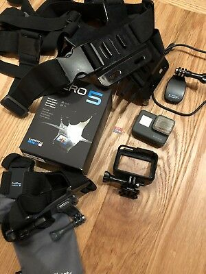 GoPro Hero 5 Black Edition Action Camera + 64GB Card + Accessoires