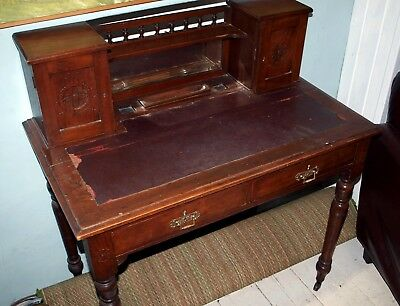 Victorian antique writing desk /dressing table with leather inlay