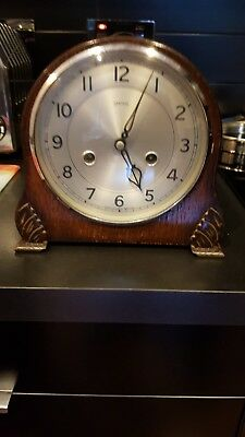 SMITHS VINTAGE WOODEN MANTEL CHIMING CLOCK c.1950s (NOT WORKING BUT WITH KEY)