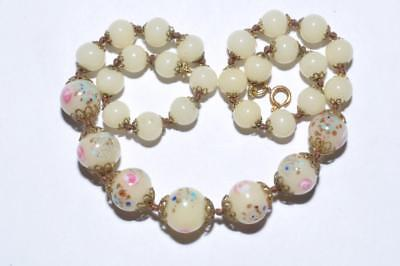 Pretty Vintage Art Deco Necklace Of Lovely Rose Beads