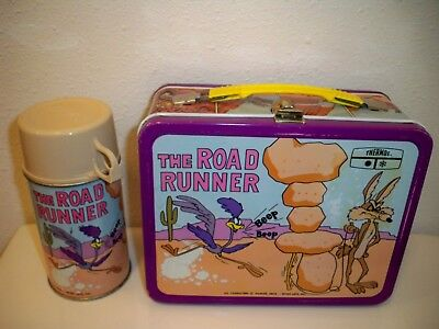 VINTAGE 1970's THE ROAD RUNNER COYOTE METAL LUNCHBOX W/KING-SEELY THERMOS