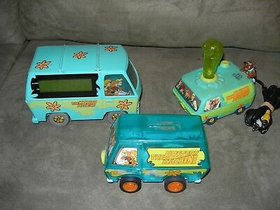 Lot of 3 Scooby-Doo Mystery Machine Toys, Alarm Clock, Bank & TV Video Game