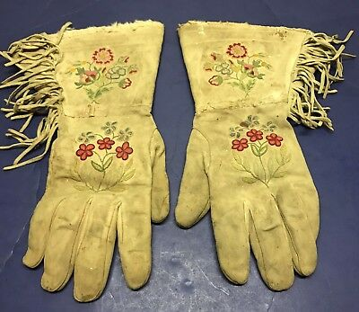 Very Nice Old Pair Of Embroidered Native American Gauntlets Gloves Cowboy