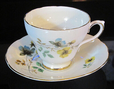 Authentic Royal Kendall Fine Bone China Made In England Tea Cup & Saucer