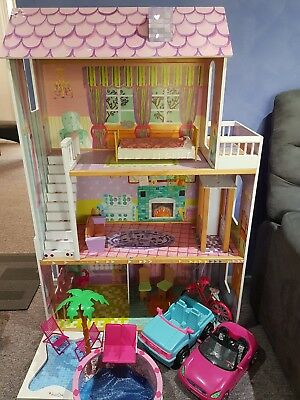 doll house - 3 levels with lift
