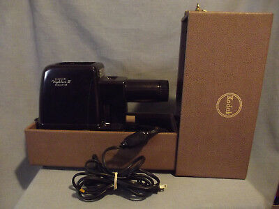 Vintage Working Kodak Kodaslide Highlux III Slide Projector In Case VGC