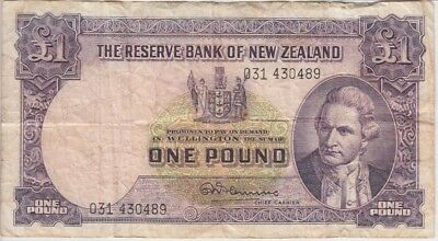 New Zealand Banknote P159b-0489 1 Pound Sig Fleming Pfx 031, VG