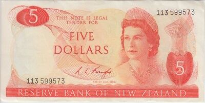 New Zealand Banknote P165c-9573 5 Dollars Sig Knight, QE II, VF