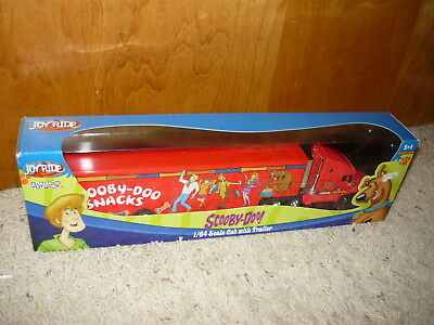 NIB Racing Champions Joyride Scooby Doo 1/64 Scale Cab with Trailer Set Of 2