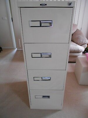 Filing cabinet 4 drawer Namco with hanging files & key in VGC