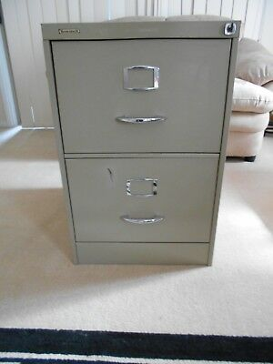 Filing Cabinet 2 Drawer with key and frames