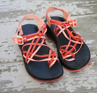 a037b980e3b CHACO Womens ZX 3 Strap Classic water Shoes Chevron Sandals Chia Orange US 8  39