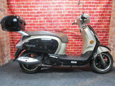 2016(16) SYM FIDDLE III 125 cc SCOOTER WITH TOP BOX - ONLY 5462 MILES