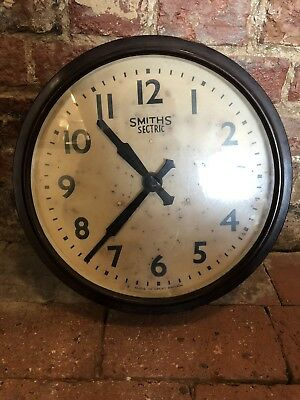 Smiths Electric Large Vintage Bakelite Working Wall Clock.