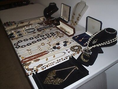 Large Job Lot Of Vintage & Costume Jewellery Necklaces Bracelets Earrings (F)